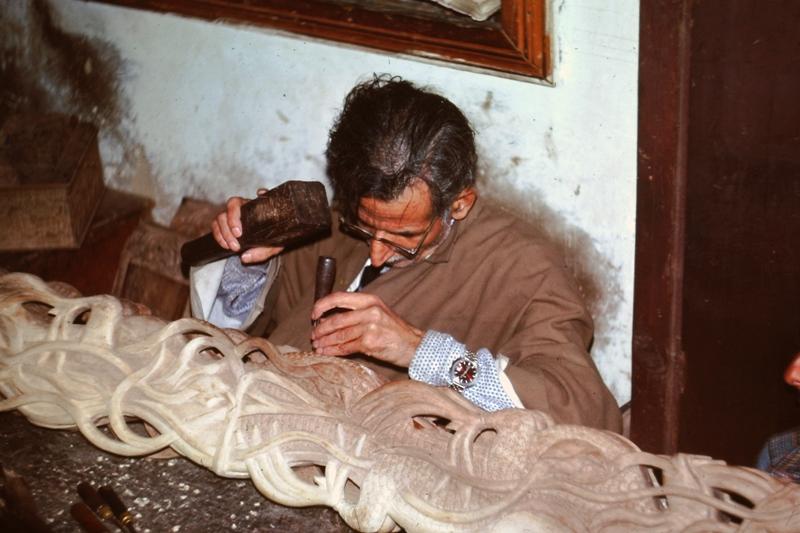 Kashmir – Wood Carver