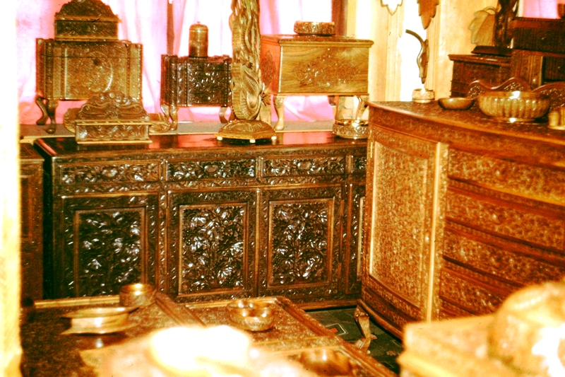 Kashmir – Carved furniture