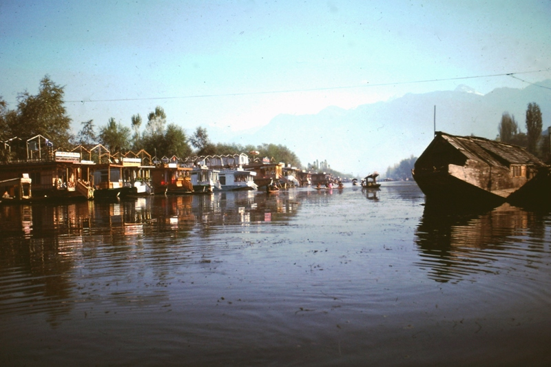 Waterway between Srinagar town and Dal Lake (where our houseboat was moored)