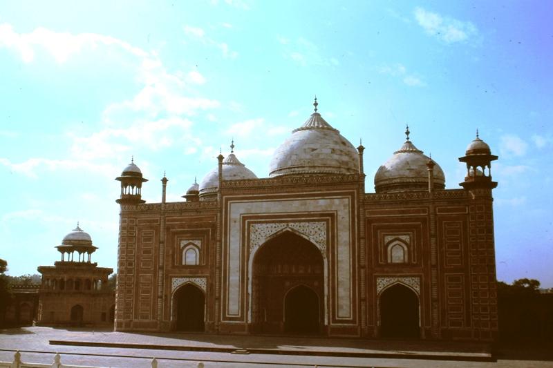 Agra – Taj Mahal – Mosque