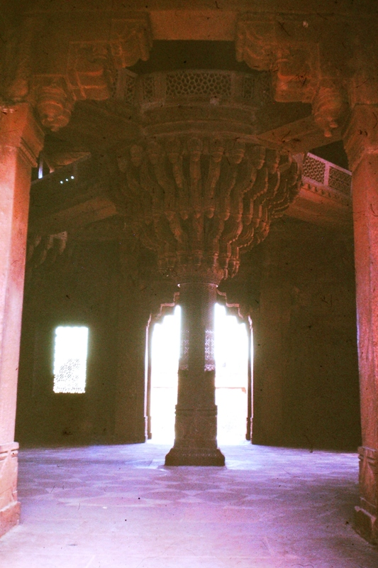 Fatehpur Sikri – Hall of Private Audience – Central pillar – (Diwan-i-Khas)