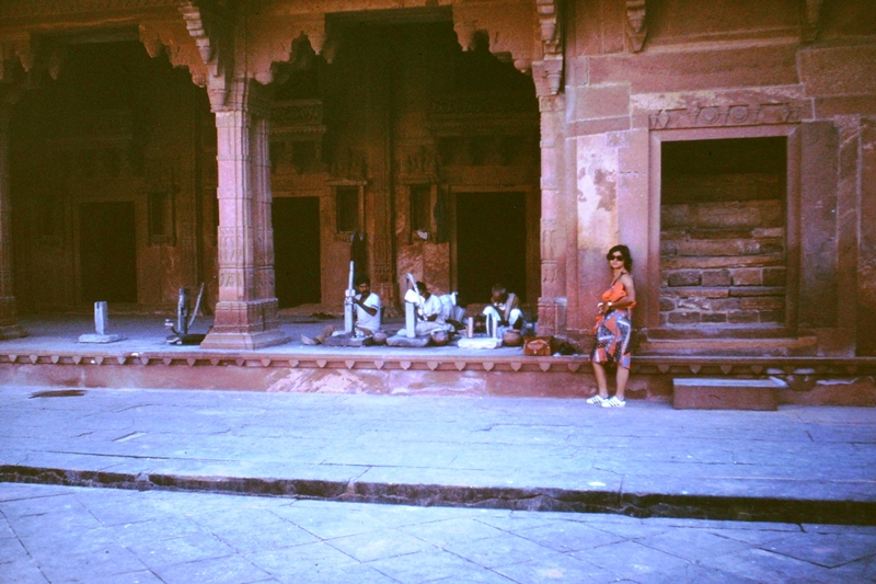 Fatehpur Sikri – Craftsmen doing restoration work