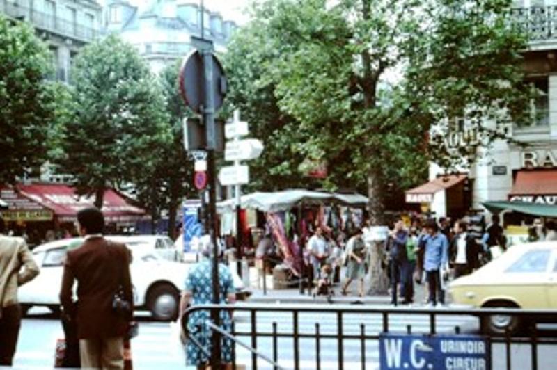 Paris – Street scene