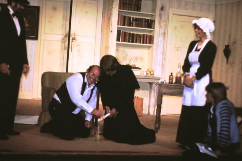 Theatre – Dr Frowsty carries out an examination