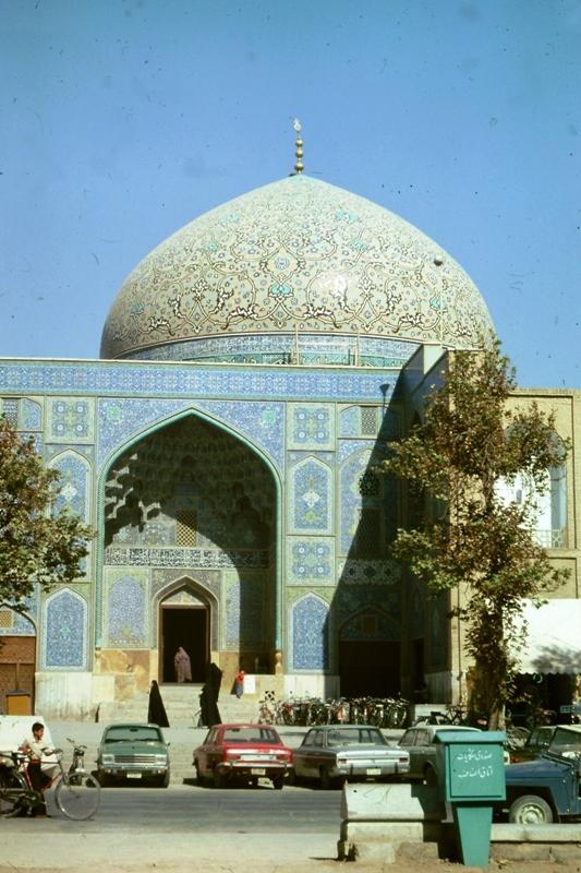 Isfahan – Sheikh Lotfollah Mosque – (Masjid-i-Sheikh Lotfollah)