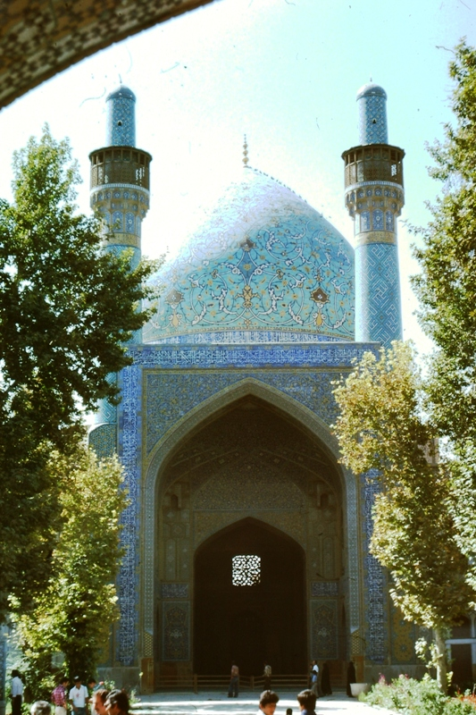 Isfahan – Courtyard Theological School – (Madrese Chahar Bagh)